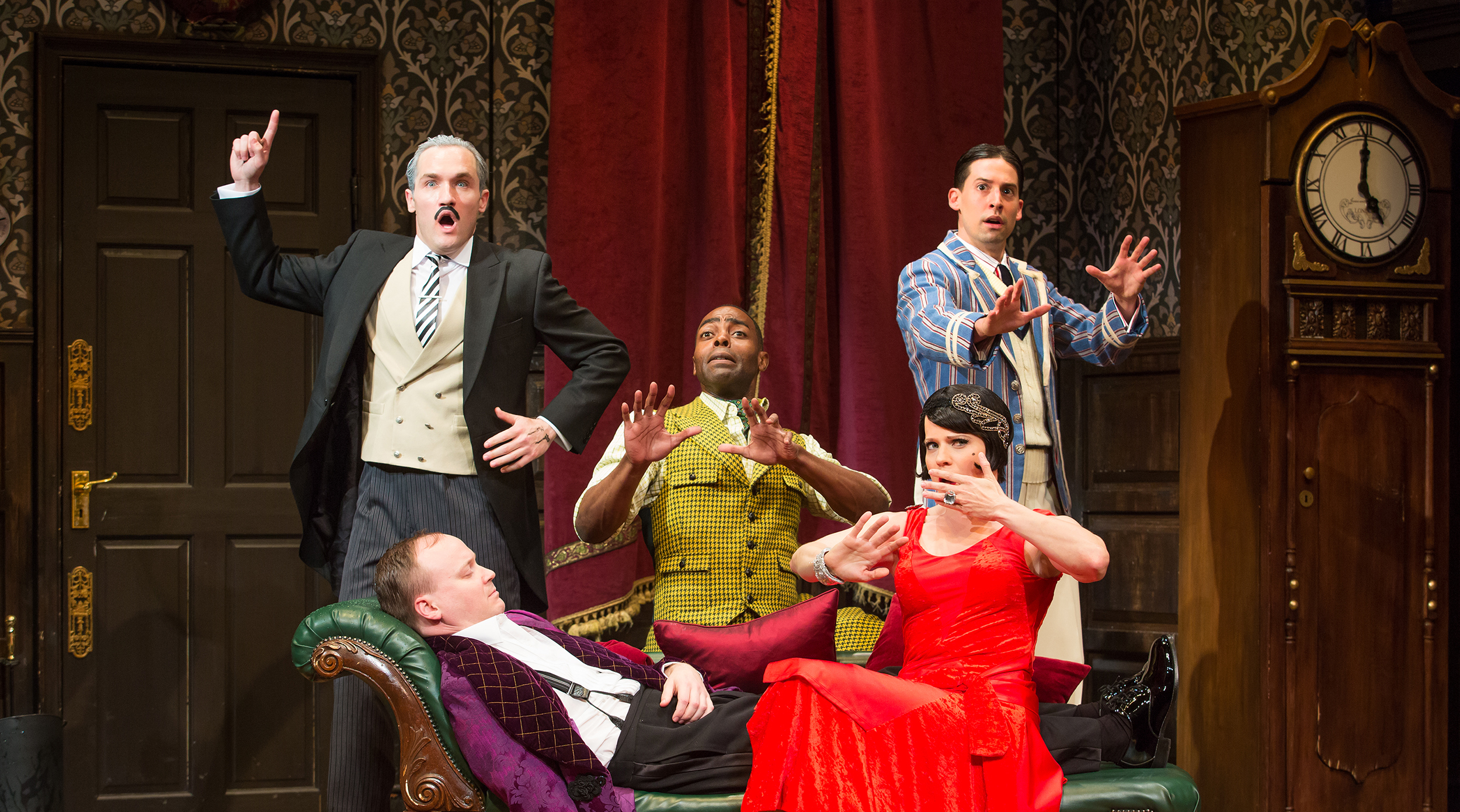 the play that goes wrong broadway