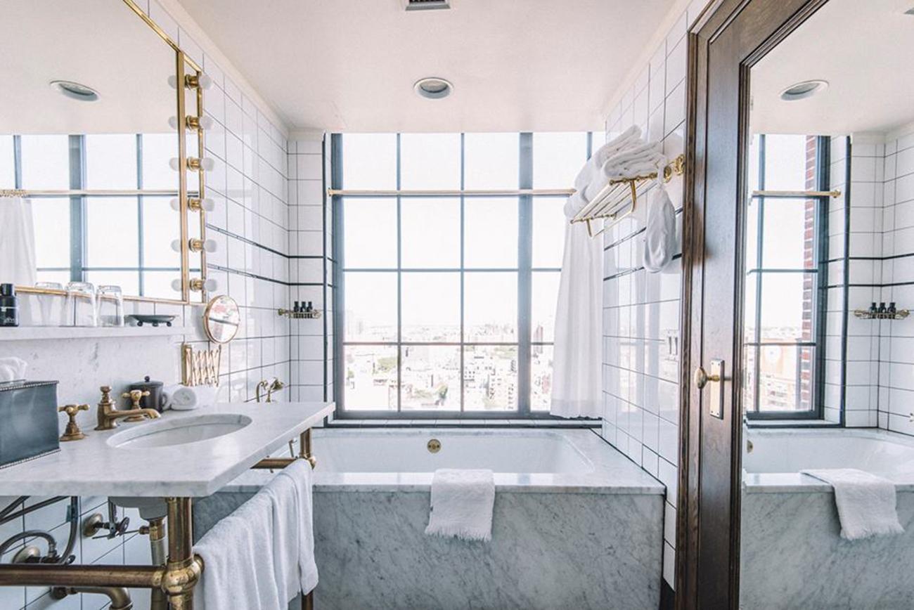 ludlow bathroom selfie