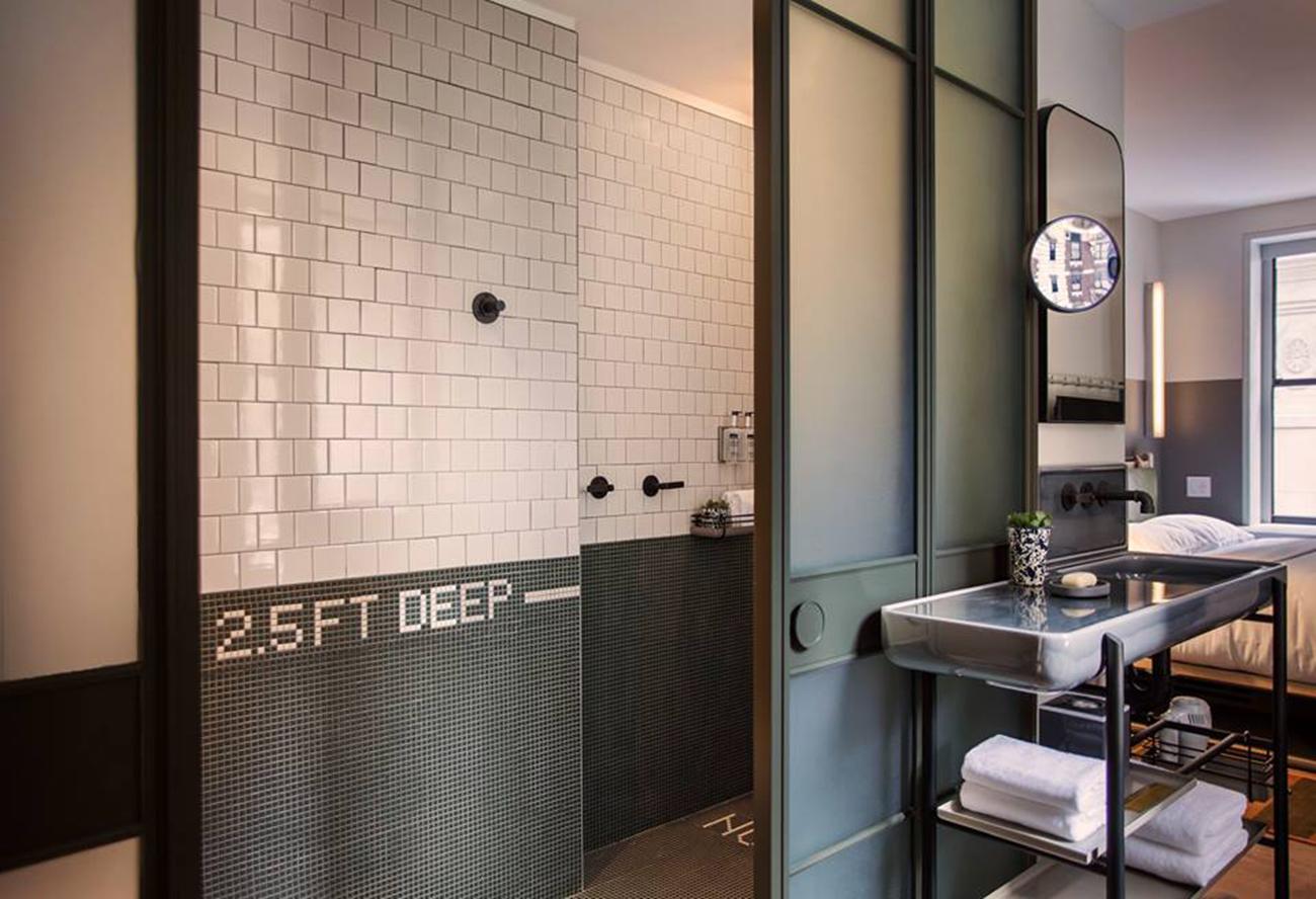 moxy hotel bathroom selfie
